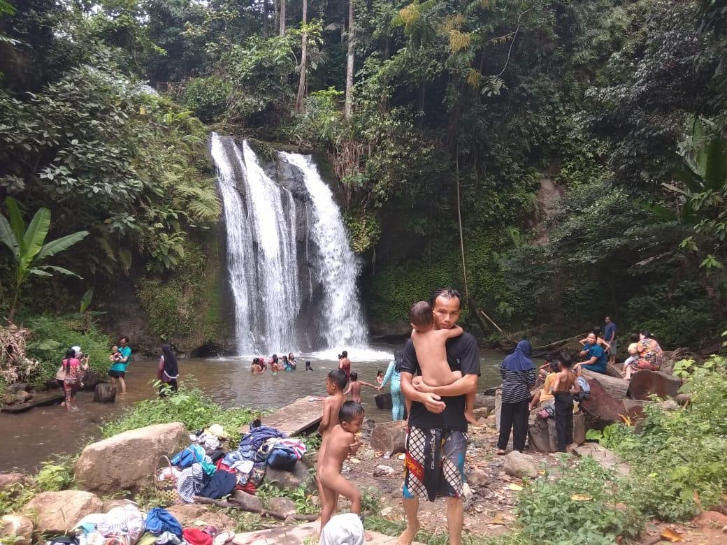 Wisatawan Luar Empat Lawang Kunjungi Air Terjun Cughup Sangi